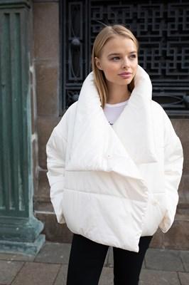 "Куртка ""Mountain"" белая"
